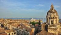 Blick auf Dom und Hafen von Catania